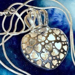 Hollow princess necklace
